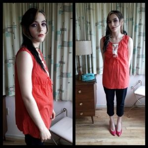 Cute vintage 70's sleeveless small dot top!
